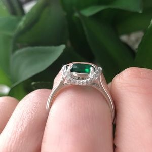 Jewelry - Brand new size 8 sterling silver ring
